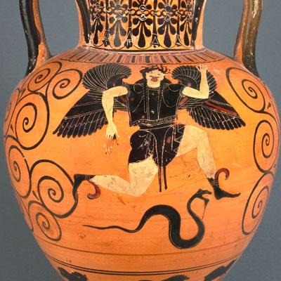 Amphore à col attique à figures noires : Gorgone en course agenouillée