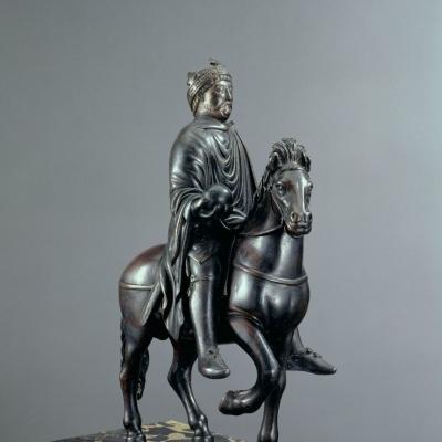 Statue équestre : Charlemagne ou Charles le Chauve