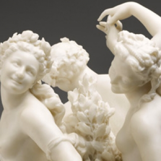 """Détail de la sculpture """"Les trois Grâces"""""""